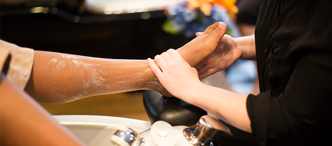 5 Reasons You NEED a Pedi